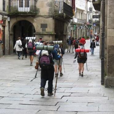 Peregrinos_en_Santiago_de_Compostela