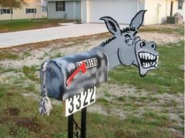 Funny-Mailbox-22